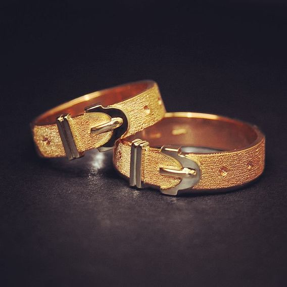 18 kt gold mens ring