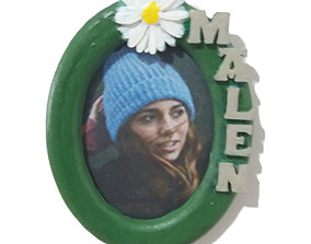 Photo frame MALEN oval 30x40 with daisy 3D printable model